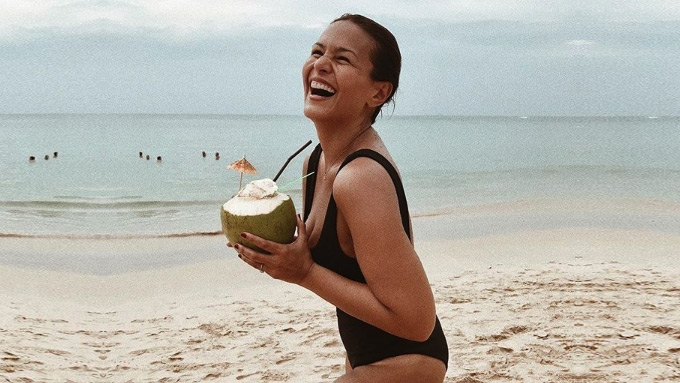 Iza Calzado embraces her body's imperfections