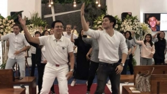 Tirso Cruz III and the Cruz clan dance in honor of Teejay