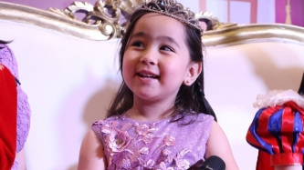 Is Scarlet Snow Belo pining for a sibling?