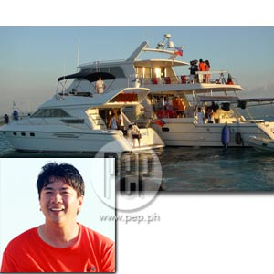 (Part 2) Star Sighting in Boracay: Willie Revillame and his Wow Cruisers